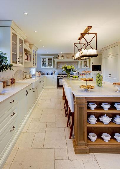 Jennie Schmid Design, Interior Design, Designer, Switzerland, Lausanne, Villa, Portfolio, kitchen, Kitchen light from Eichholtz,oven from La Canche