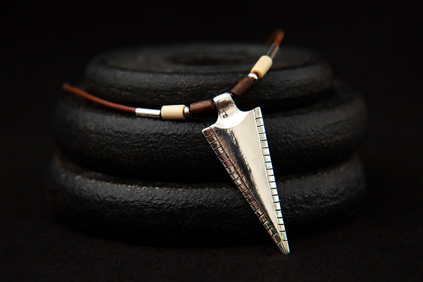 Hama, tribal beaded leather chain with 925 silver Tribal Arrow pendant
