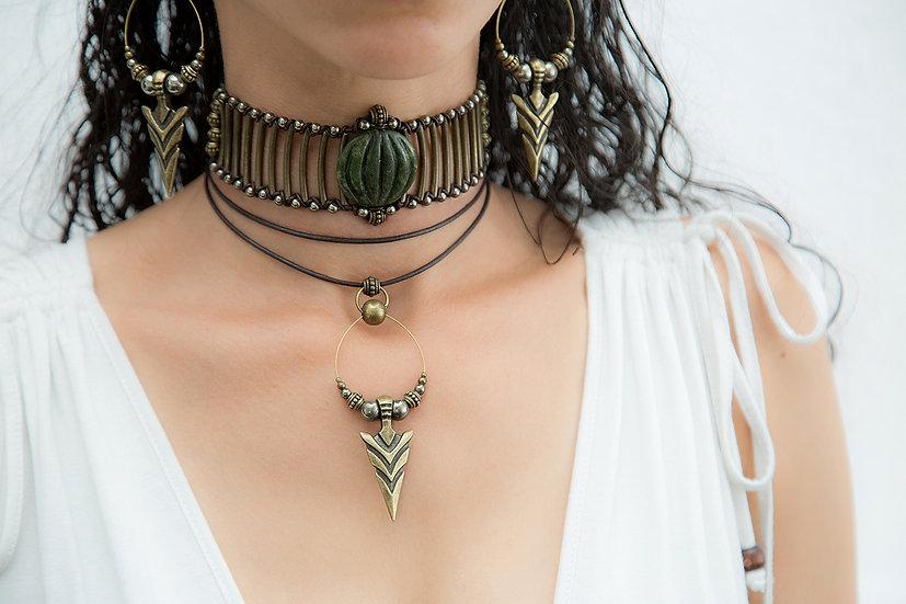 Avani Chopa Choker, Gemstone Leather bound piece, with Chivani matching Set