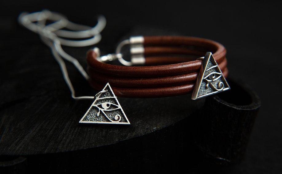Safiya horus pair 5.jpg