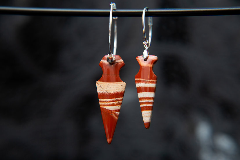 Red Sediment Jasper mis-matched arrow head hoop earrings. 925 Sterling Silver.