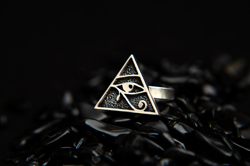 Egyptian Eye of Horus Pyramid Ring. Sterling Silver. All seeing eye ring