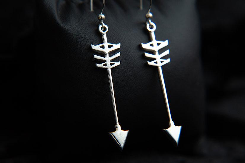 Kohana. Tribal silver arrow earrings. Handcrafted Sterling Silver