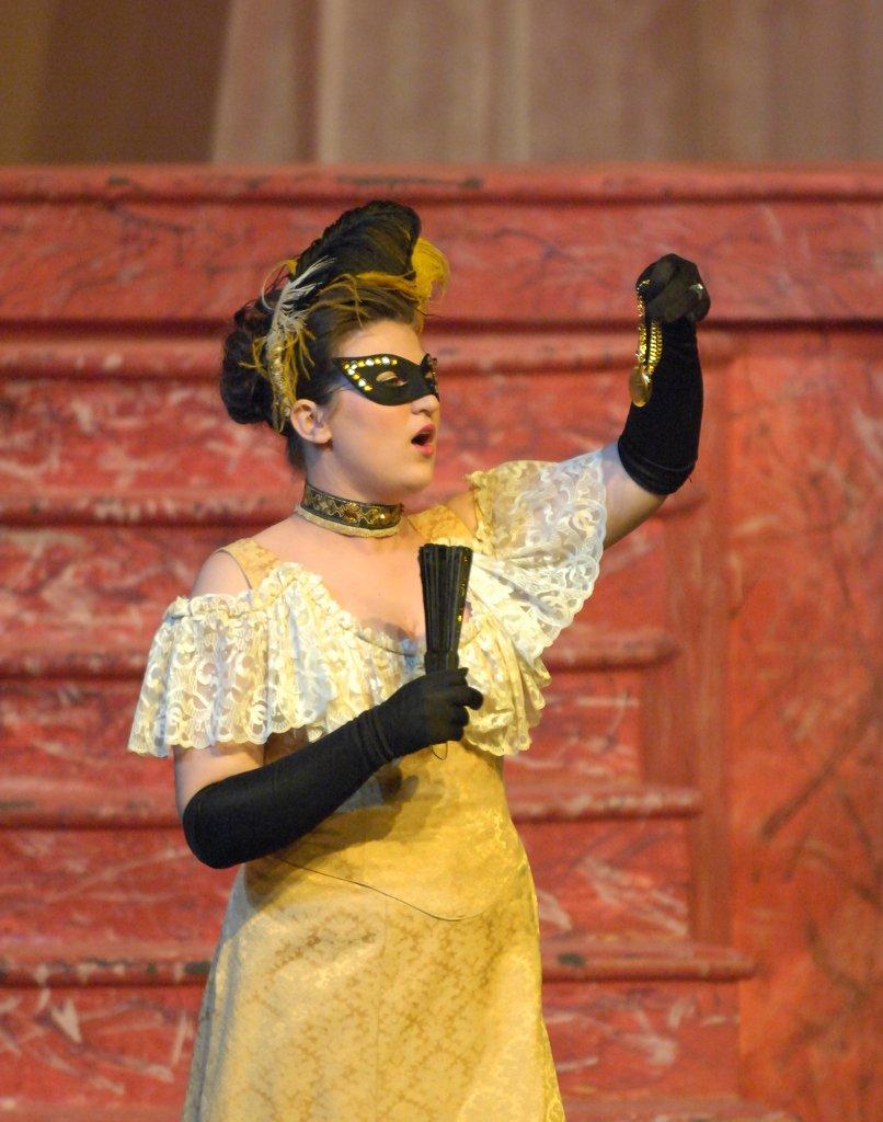 Jennifer Smith as Rosalinda