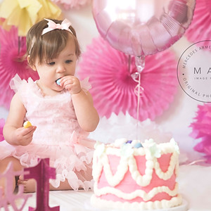 SMASH CAKE VALENTINA