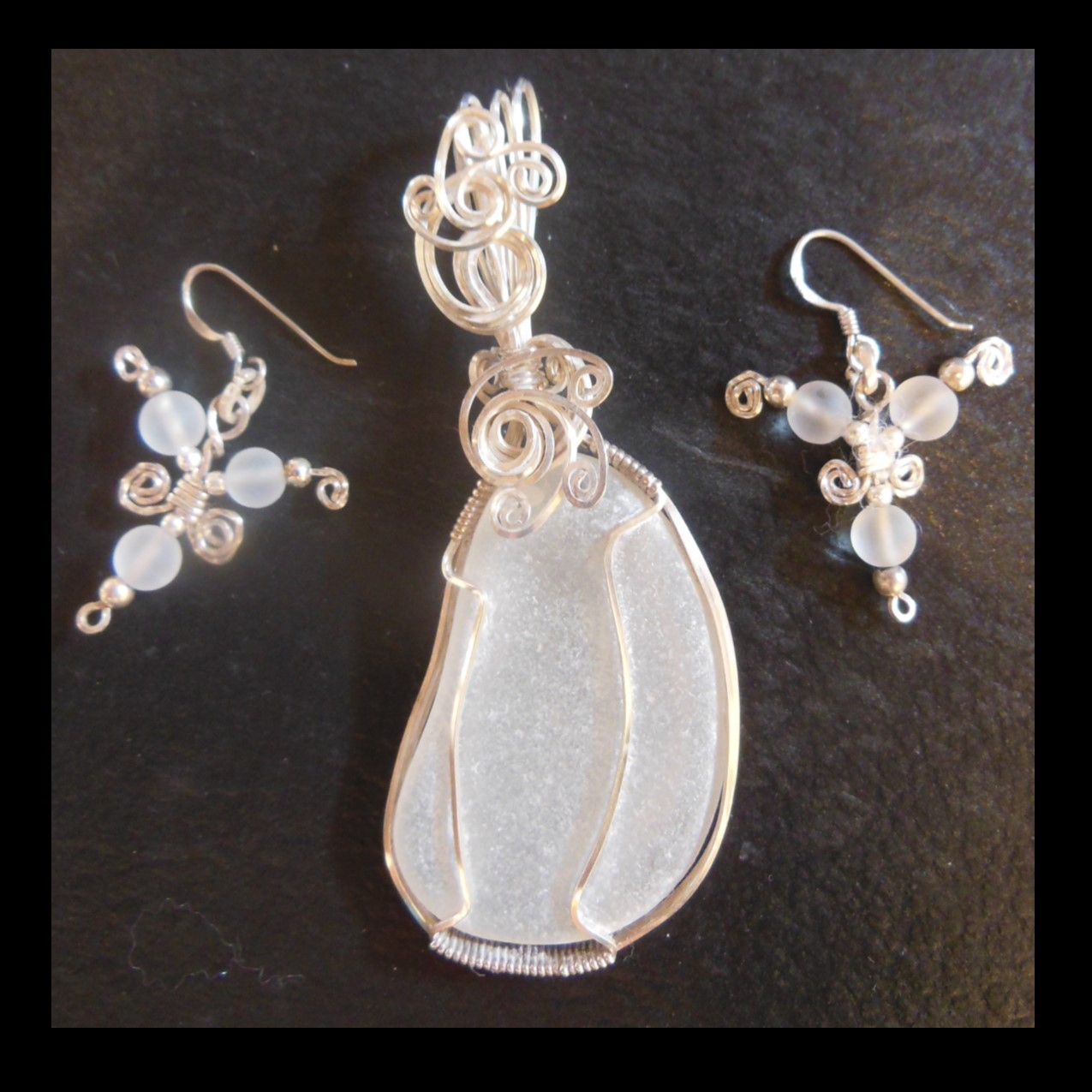 Pendant an Earrings