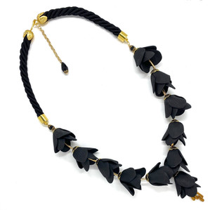 The Persian Lily Neckalce