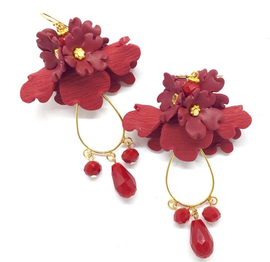 Folded flower earring with teardrops