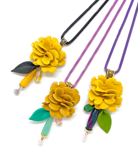 Long Flower Necklace in Yellow