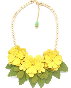 Three yellow flowers necklace