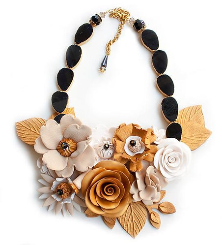 Large Gold Flowers, Detailed Necklace