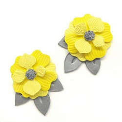 Small post earrings yellow and grey