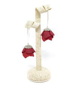 Closed flowers earrings, burgundy