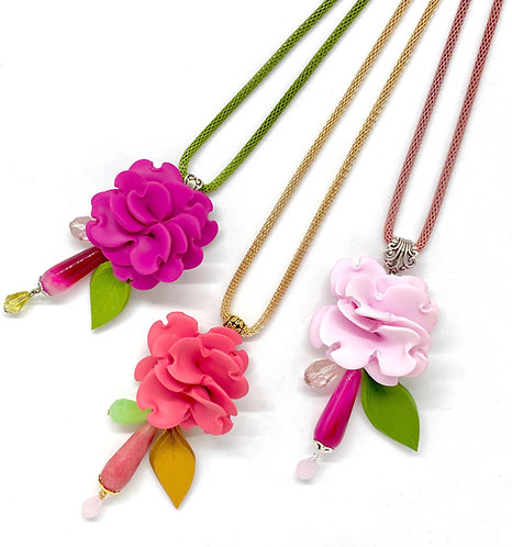 Long Flower Necklace in Pink