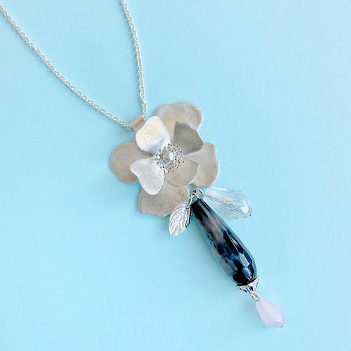 Long Flower Necklace in Sterling Silver with Black Agate stone
