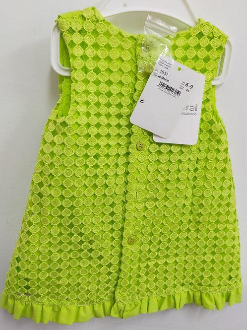 Vestido color verde niña