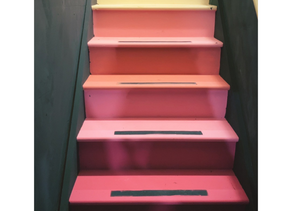 The Tutorialist – How to paint your stairs using Annie Sloan Chalk Paint
