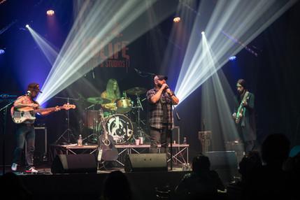 Thomas Gabriel Performing Live