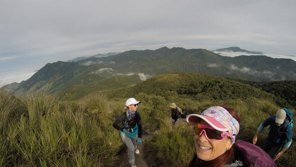 paisagem da trilha pico dos marins