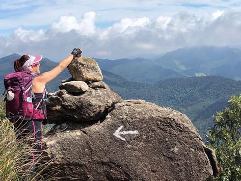 Trilha para o Pico dos Marins