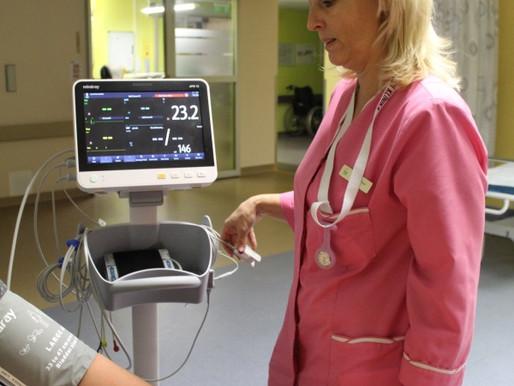 Jaunas medicīniskās iekārtas Cēsu klīnikā ārstniecības kvalitātes uzlabošanai