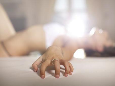 Le plaisir solitaire ou la masturbation?