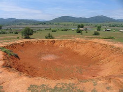 20061114-laos-hole.jpg
