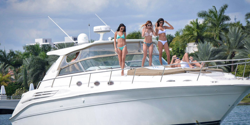 Yatch cruise front