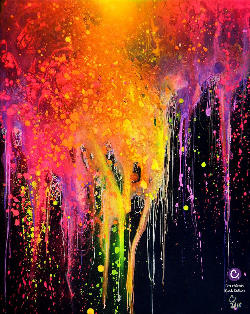 Peinture Pouring sur fond noir, châssis entoilé Black Cotton Honsell, représente une peinture colorée abstraite, qui coule.