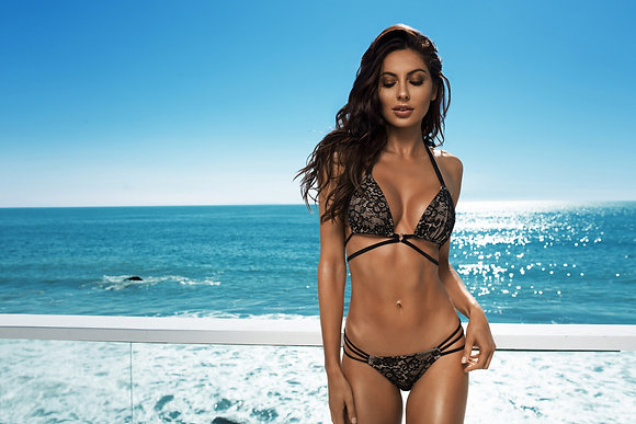 Flora Ariel - Bikini