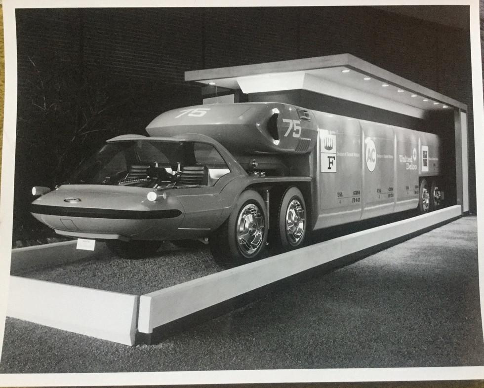 1964_Pavilion_Models_Photos_oreoqazqBP1v