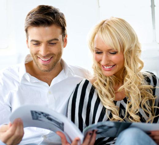 couple-reading-magazine-together_owaqxl.