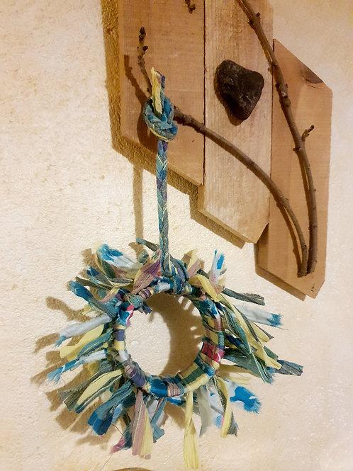 """Couronne décorative upcycling """"Réunionaise"""""""