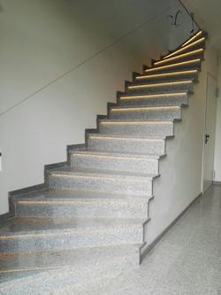 Treppen mit Granit verkleiden