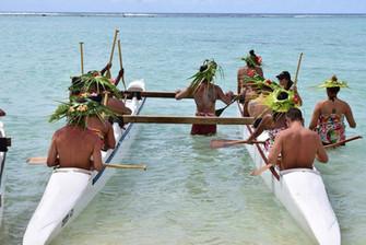 クック諸島の大人の運動会 種目はアウトリガーカヌー