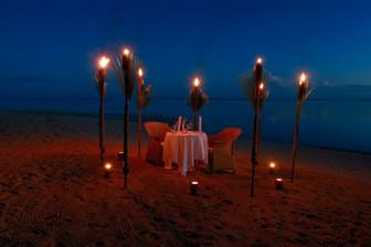 クックの特別な旅行の記念に ロマンティックディナー多くのホテルで受け付け可能