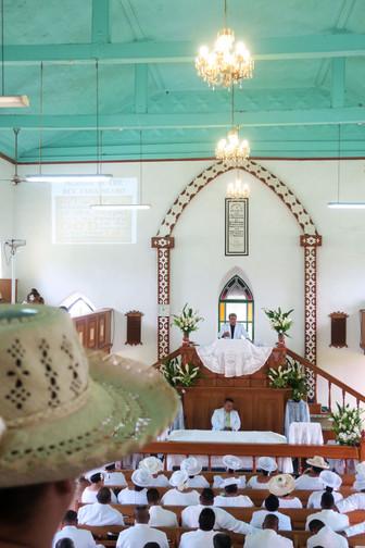 第一日曜日は神聖な白の日 ぜひ教会のミサへ