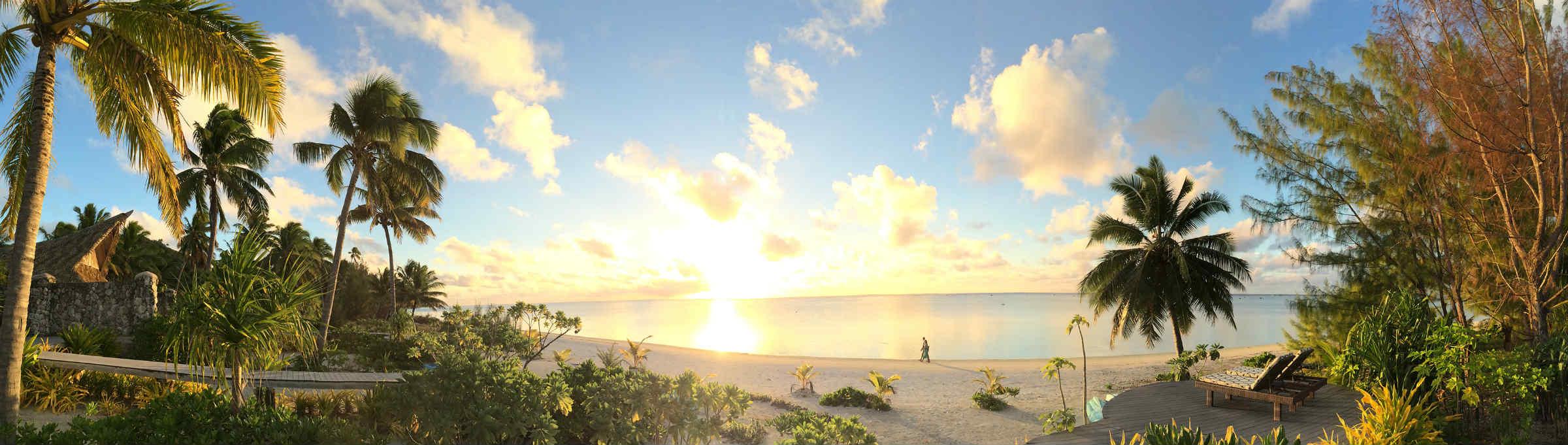 Aitutaki_Escae_panorama_beach