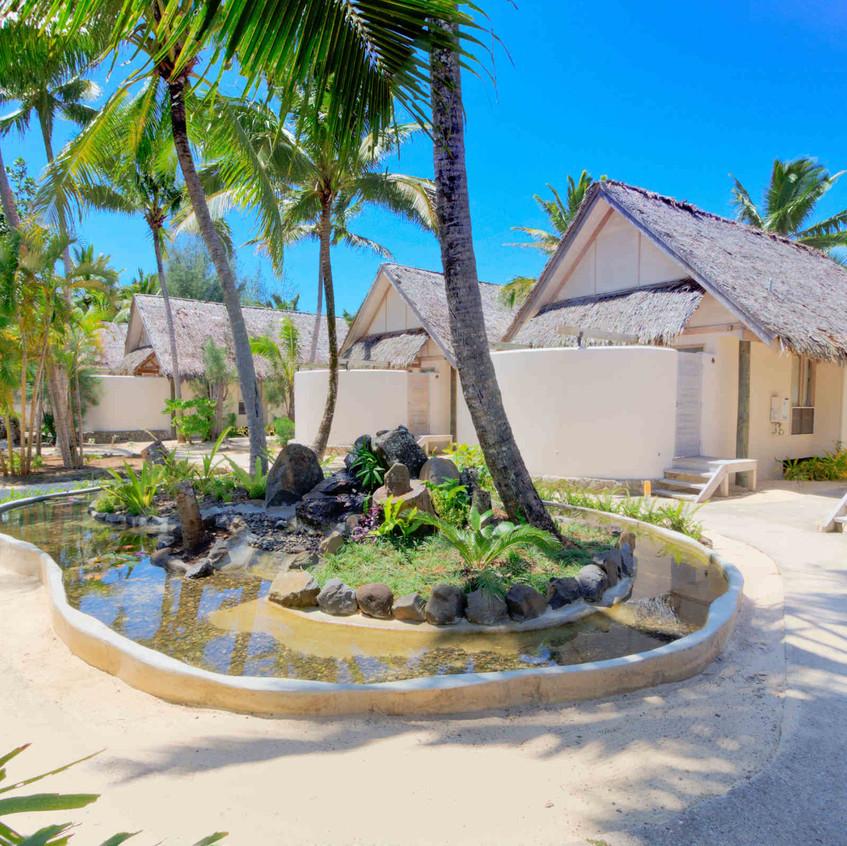 Beachfront Bungalows_little polynesian
