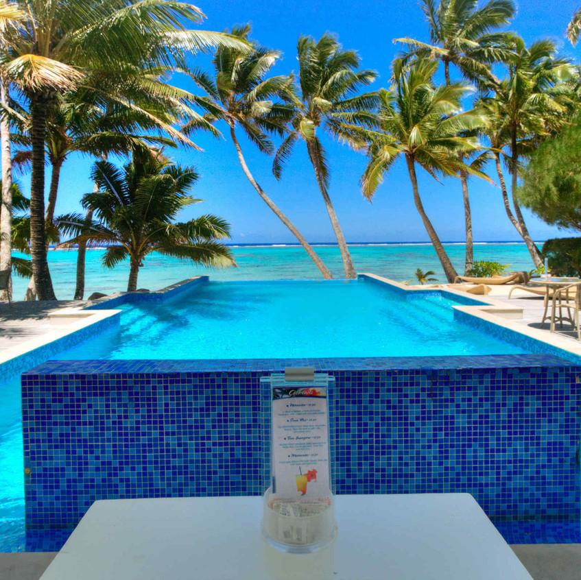 pool side bar_little polynesian