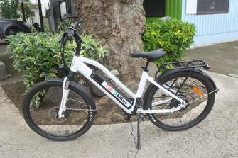 電動自転車レンタルで島を巡ろう!島で1軒レンタル店あります