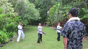 日本国小林大使歓迎のイベント 島の子どもたちによる空手パフォーマンス