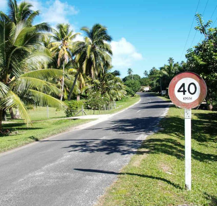 aitutaki-road
