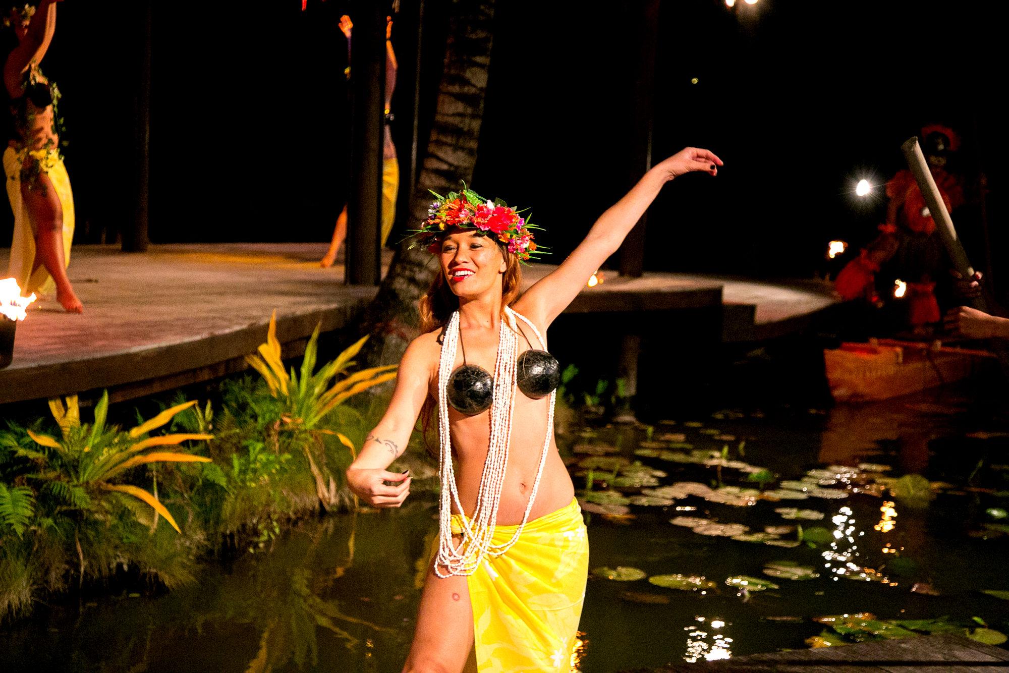 Te Vara Nui_Beautiful dancer