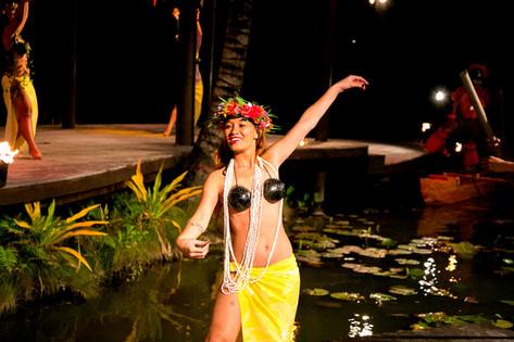 テヴァラヌイ文化村のすべて ポリネシアンダンスショー
