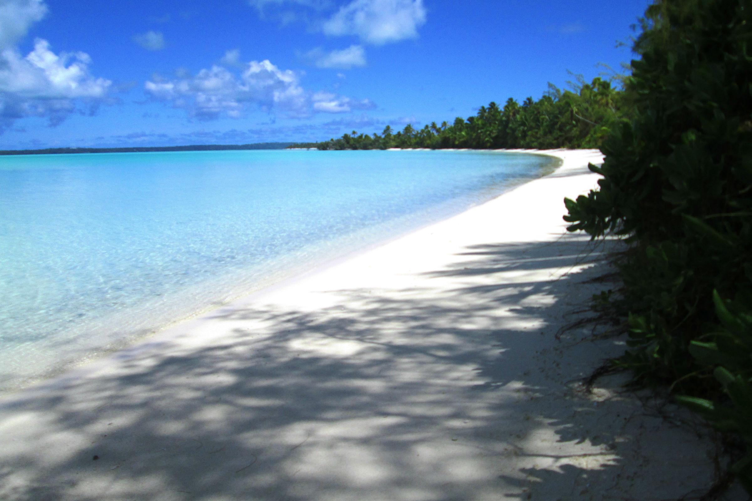 aitutaki beach blue