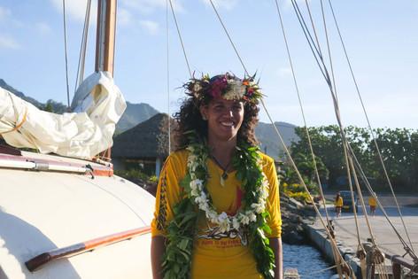 タヒチの帆船Fa'afaiti到着 魅力的な女性キャプテン!