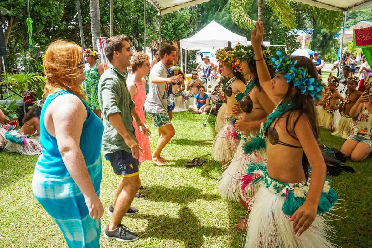 dance with children-kia-orana-week