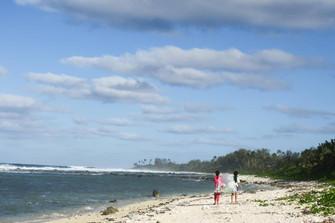 ビーチ清掃で鳥と魚を守りたい!自然を身近に感じ生きる島の子ども