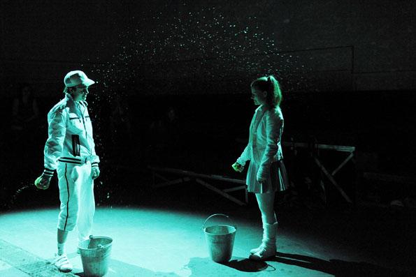 Gelber Mond, Regie: Oliver Wronka